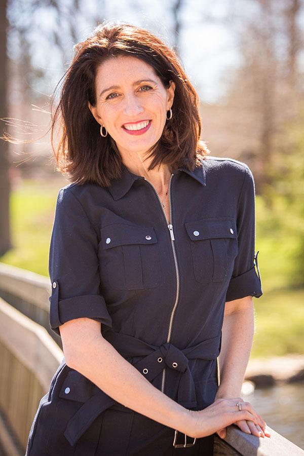 Katie-Leighton-Prof-Headshot